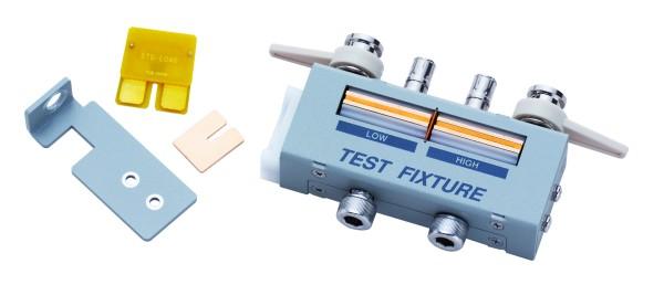 Prüfvorrichtung für axial und radial geführte Bauteile